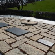 Tombes de JFK, de son épouse et de l'un de leurs enfants mort à la naissance.