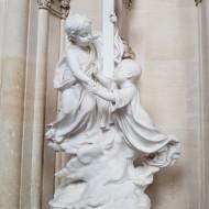 statue dans la necropole representant le grand frère accueillant sont jeune frère au