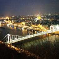 vu de nuit sur Budapest