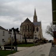 L'église vue de la place de la bibliothèque