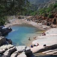 piscine naturelle dans la vallée