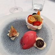 Demi sphère meringue aux fruits
