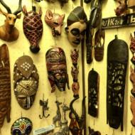 Sculptures en vente dans le magasin