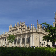 l'exterieur de la cathédrale
