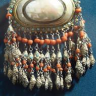 un élément de la collection de bijoux traditionnels