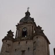 Gros plan sur la Grosse Horloge à La Rochelle
