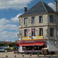 Le Café Français à Surgères