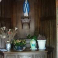 Chapelle à la Vierge à l'intérieur de l'arbre