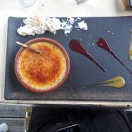 Un super dessert crème brûlé j'adore belle présentation.