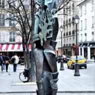une très belle statue