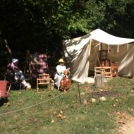 Quelques ateliers diverses présentent les activités quotidiennes des hommes et des femmes qui travaillaient sur la propriété de G. Washington. Ici des femmes filant la laine.