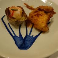 En entrée, coquilles Saint-Jacques et crevettes - Jolie présentation dans une jolie assiette