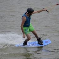 Super sensations sur l'étang de Buhel au Wake Park Plesse