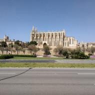 Cathedrale depuis la mer