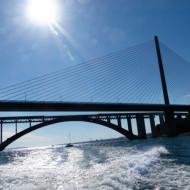 le second précédé par le pont d'Iroise