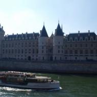la Conciergerie depuis la Seine