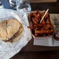 Burger les Halles, frites cuites à la graisse de boeuf.