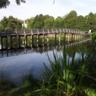 Pont pour traverser le lac des bretonnières
