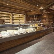 rayon traditionnel fromage et charcuterie avec la cave d affinage