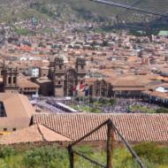 la place vue de plus haut, en montant vers Sacsahuaman