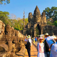 Une des entrées d'Angkor Bayon, un des importants sites archéologiques du Cambodge